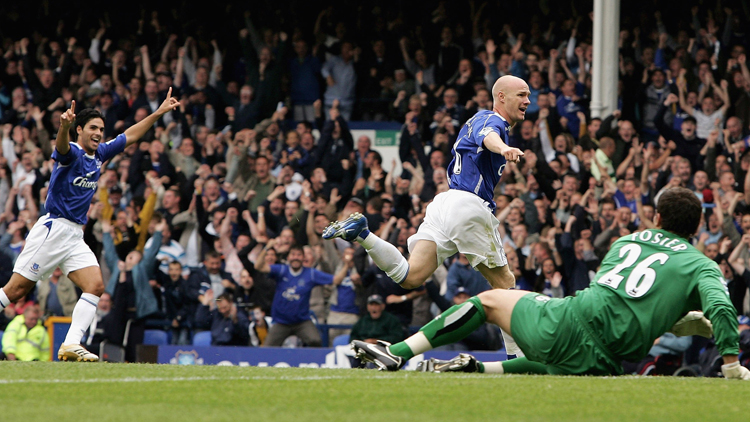 LIVERPOOL, UNITED KINGDOM - AUGUST 19: Andrew Johnson of Everton celebrates scoring the opening goal during the Barclays Premiership match between Everton and Watford at Goodison Park on August 19, 2006 in Liverpool, England. (Photo by Richard Heathcote/Getty Images)