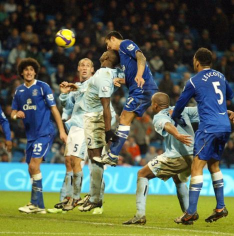 pix paul lewis man city v everton tim cahill scores evtn injury time winner
